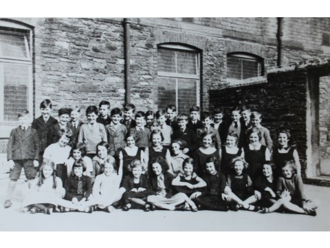 Murray's Road School, 1938. Mr Charles Corkill is standing 3rd from the right on the back row and is wearing a dark school tie.
