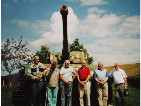 Hector Duff with former WWII colleagues