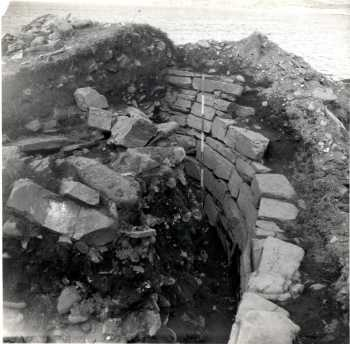 The 1950s excavation revealed the remains of beautifully constructed huts. The stone walls were built using local limestone, which had been carefully prepared.